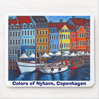 Colors of Nyhavn Mousepad