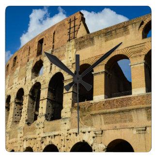 Colosseum à Rome, Italie Horloge Carrée