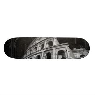Colosseum romain avec les dessins architecturaux skateboard