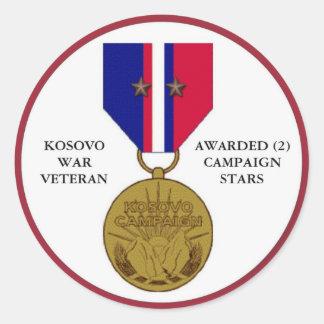 COMBATTANT DE KOSOVO DE 2 ÉTOILES DE CAMPAGNE STICKER ROND