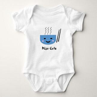 Combinaison mignonne de bébé de miso body