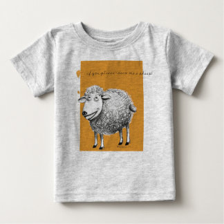 Comfortable T-shirt with amused sheep