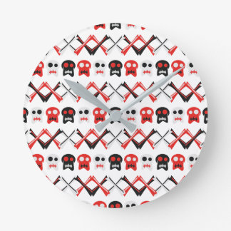 Comic Skull with crossed bones colorful pattern Round Clock
