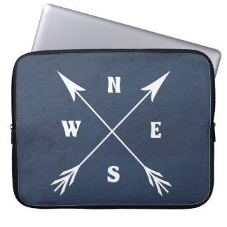 Compass arrows laptop sleeve