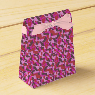 composition in rose favor box