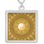Conception de Yin Yang Lotus Pendentif Carré