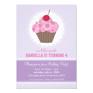 Conception mignonne de petit gâteau d'INVITATION Carton D'invitation 12,7 Cm X 17,78 Cm