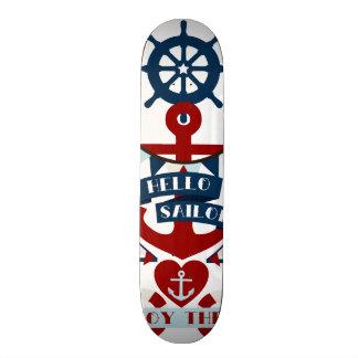 Conception nautique de bateau à voile d'ancre de skateboards customisés