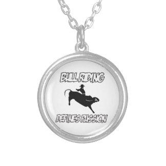 conceptions d'équitation de taureau pendentif personnalisé