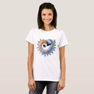 Conch Shell Pearl Golden Spiral Fibonacci Womens T-Shirt
