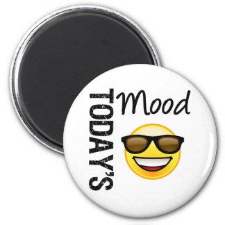 Cool d'aujourd'hui d'émoticône d'humeur avec des n magnet rond 8 cm