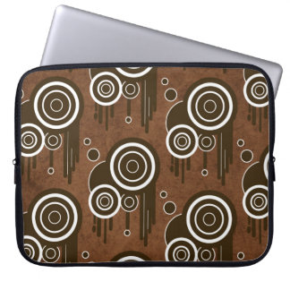 Cool retro circles on laptop sleeve