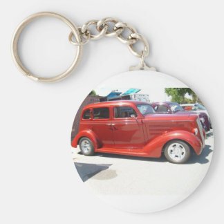 Cool, very, very old car, keychain