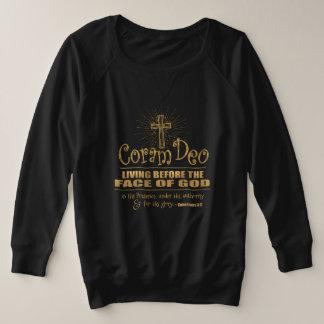 """Coram Deo""  Plus-Size Sweatshirt (Black/Gold)"