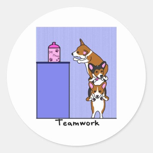 Corgi Teamwork Round Sticker