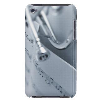 Cornet et cahier de musique coques iPod touch