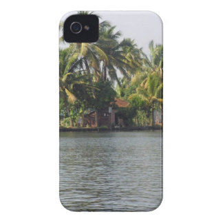 Cottage in the midst of greenery Case-Mate iPhone 4 case