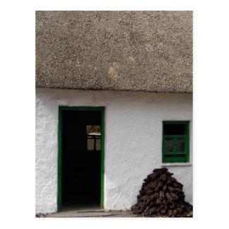 Cottage irlandais vert carte postale