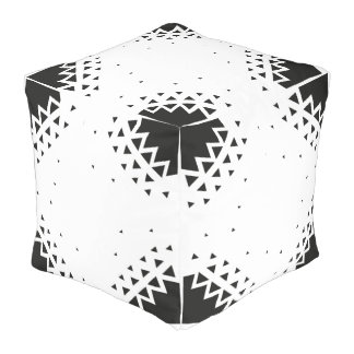 Cotton cubed pouf with abstract fade away triangle