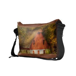 Country - Barn - Out to pasture Commuter Bags