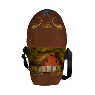 Country - Barn - Out to pasture Courier Bag