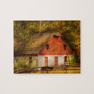 Country - Barn - Out to pasture Jigsaw Puzzle