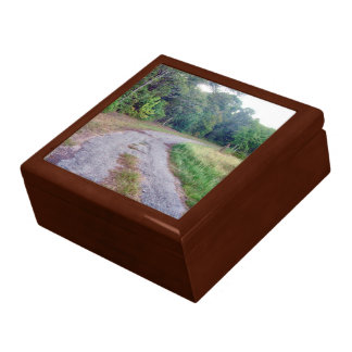 Country Road Gift Box - lg