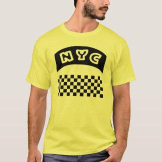 Coupe-circuit de NYC avec le damier et la bannière T-shirt