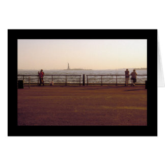 COUPLES IN BATTERY PARK card