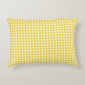 Coussin jaune citron d'accent de motif de guingan coussin déco