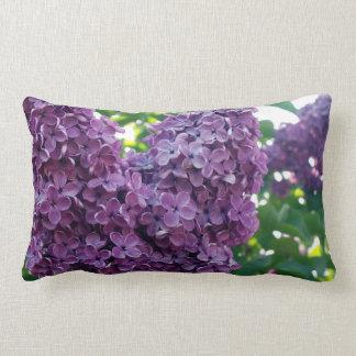 Coussin pourpre de lilas