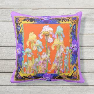 Coussin pourpre lilas de jardin d'iris