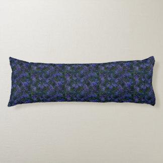 Coussin violet bleu de corps de jardin