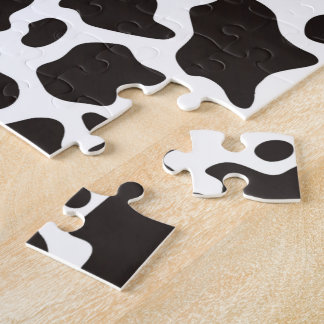 Cow pattern background puzzle