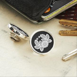 Crab chrysanthemum (crest 之 spring) lapel pin