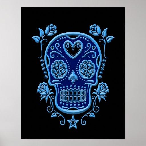 Crâne bleu de sucre avec des roses sur le noir posters
