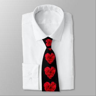 Cravate en forme de coeur d'amour de rose rouge