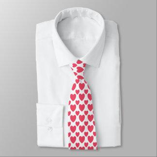 Cravate rouge de coeurs