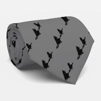 Cravate sorcières éffrayantes de vol sur des manches à