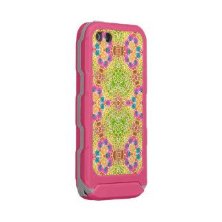 Crazy Abstract Incipio ATLAS ID™ iPhone 5 Case