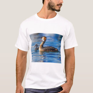 Crested grebe, podiceps cristatus, duck and baby T-Shirt