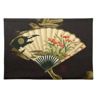 Crimped Oriental Fan with Floral Design Placemat