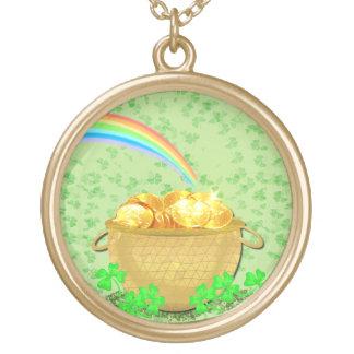 Crock 'O Gold Round Pendant Necklace