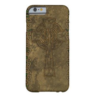 Croix celtique et noeuds celtiques coque iPhone 6 barely there