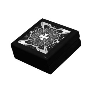 Cross pattée gift box