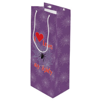 Cross spider in the net gift bag