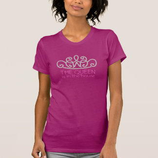Crown of Pink Pearls Exclusive Trendy Designer T T-Shirt