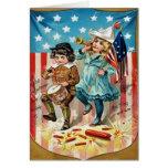 Cru de drapeau américain de défilé d'enfants 4 jui cartes de vœux