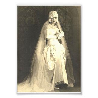 Cru épousant la copie de photo de jeune mariée