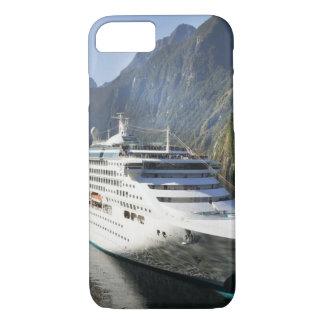 Cruise Ship iPhone 7 Case